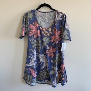 LuLaRoe XXS Perfect T  New with Tags